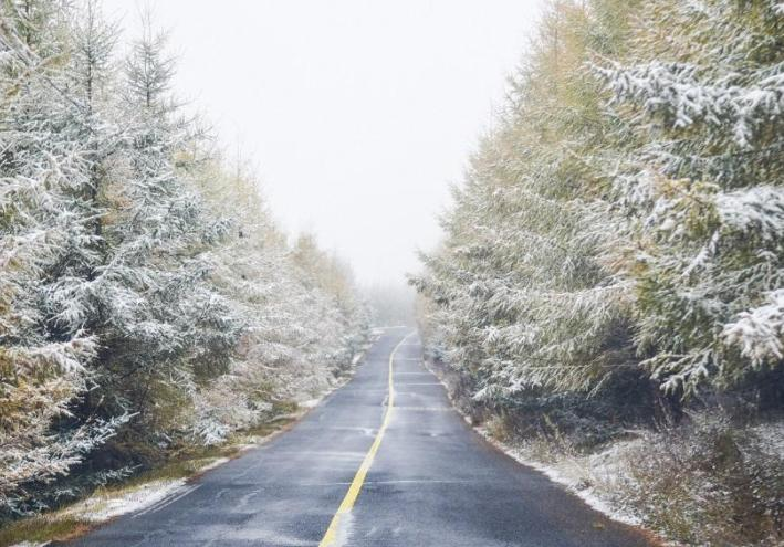 """全国多地迎入秋后首场降雪,台风""""圆规""""向我国靠近未来冷空气将至"""