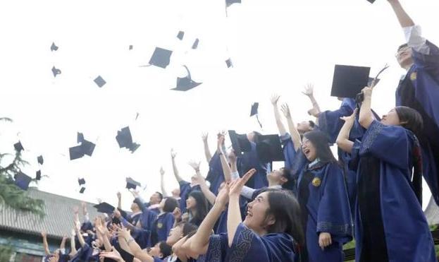 """双减下的就业市场:909万毕业生将涌向哪里?""""慢就业""""拉高青年失业率?"""