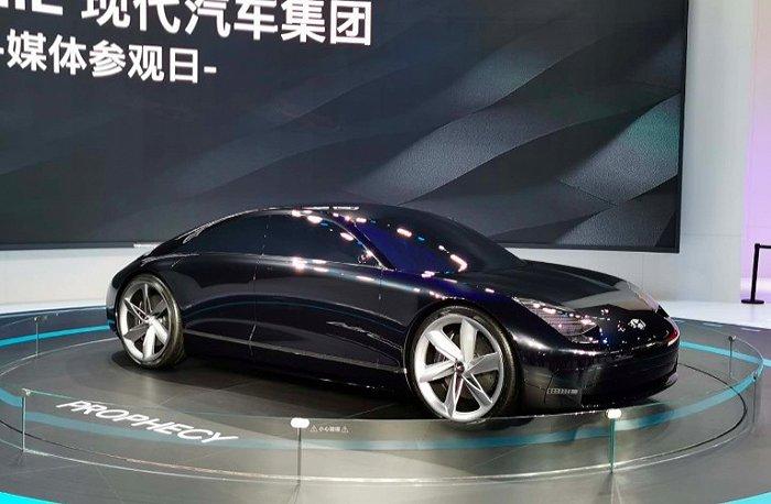 新概念汽车层不不穷 智能汽车科技越来越强大