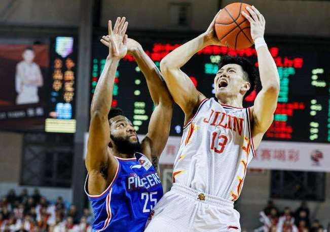 CUBA全明星 朱松玮得到21分7篮板5助攻并荣膺MVP
