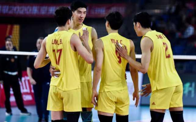 中国男排0:3伊朗 郎平求你救救男排吧