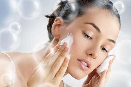 孕期日常皮肤该如何护理 孕期皮肤护理最重要的是保湿