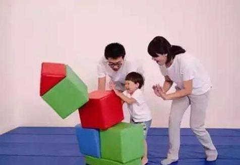 提升婴幼儿智力智力游戏必不可少,父母需要熟知智力游戏的作用