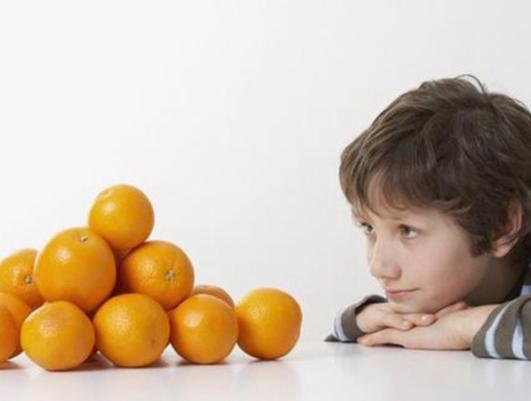 水果营养价值丰富 你知道怎样给孩子吃水果才正确吗