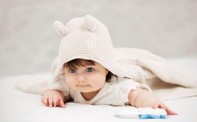2个月婴儿该怎样护理知识?夏季宝宝第2个月生长发育规律