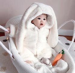 宝宝视敏度发展的关键期是什么时候?哪些营养元素对宝宝的视力有益?