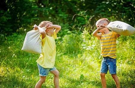 孩子在学校跟同学发生冲突了父母应该怎么办?看看明星妈妈是怎样做的