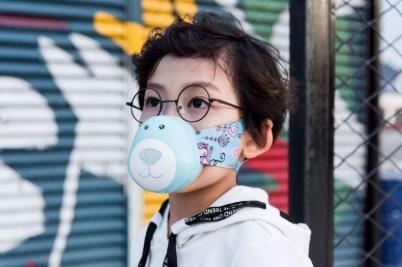 南京就新冠肺炎疫情举行新闻发布会:儿童如何佩戴口罩?