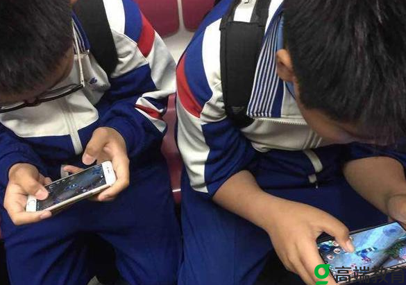 学生依赖手机的影响有哪些 学生依赖手机的原因有哪些