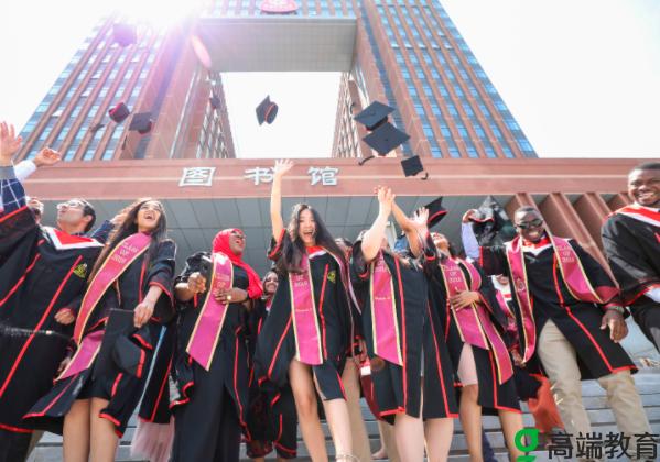 清华大学对外籍留学生大开绿灯? 清华大学对外籍留学生大开绿灯教育部出手