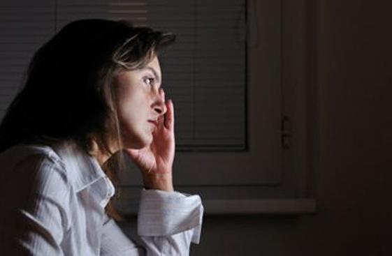 女人经常熬夜有哪些危害 经常熬夜的女性该如何备孕?