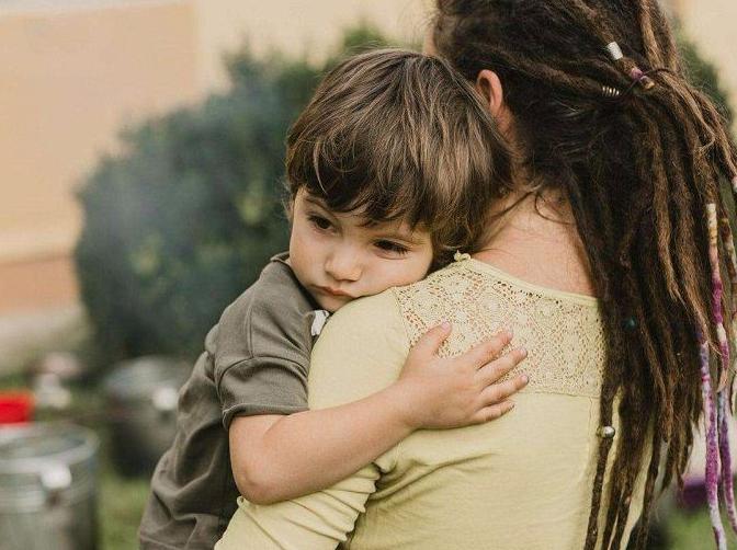 孩子性格敏感该怎么办?如何判断孩子是否敏感?