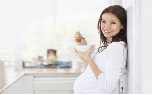 孕期孕妇怎么吃有利于胎儿的发育?夏季孕妇吃啥胎儿发育的好?