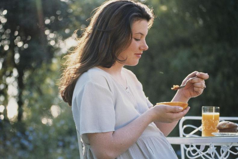 孕妇顺产前吃什么有助于生产?孕妇产前吃什么生得快2021孕妇食谱推荐