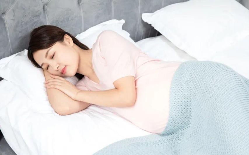 孕妇睡觉的姿势对胎儿有影响吗?孕期怎样睡觉对胎儿没有影响?