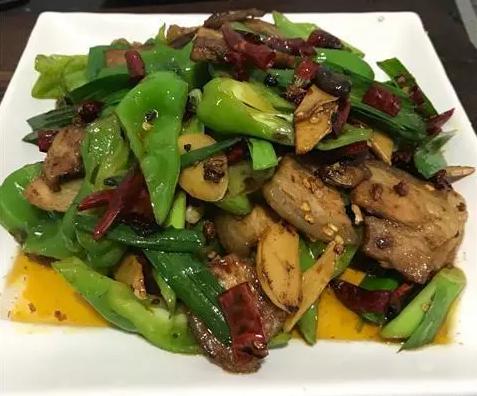 青椒回锅肉,肥而不腻超好吃