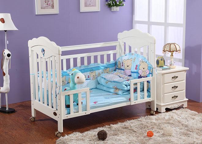 给宝宝选择婴儿床有哪些关键呢?