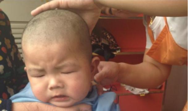 新生儿要不要剃满月头?这3种情况不建议,宝宝理发需要注意这些