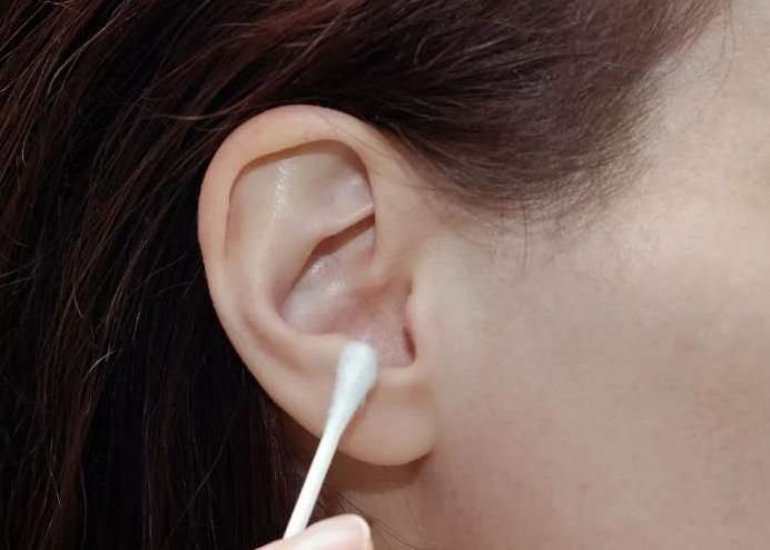 耳屎有毒吗?吃耳屎会不会导致哑巴?为什么说吃耳屎会哑巴